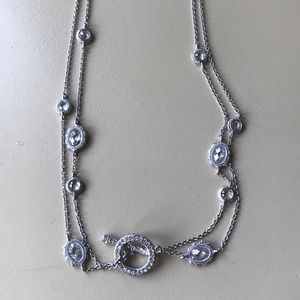 Jewelry - Silver crystal necklace